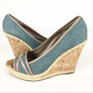 Ivanka Trump Wedges Heels Shoes Blue Tan Size 10
